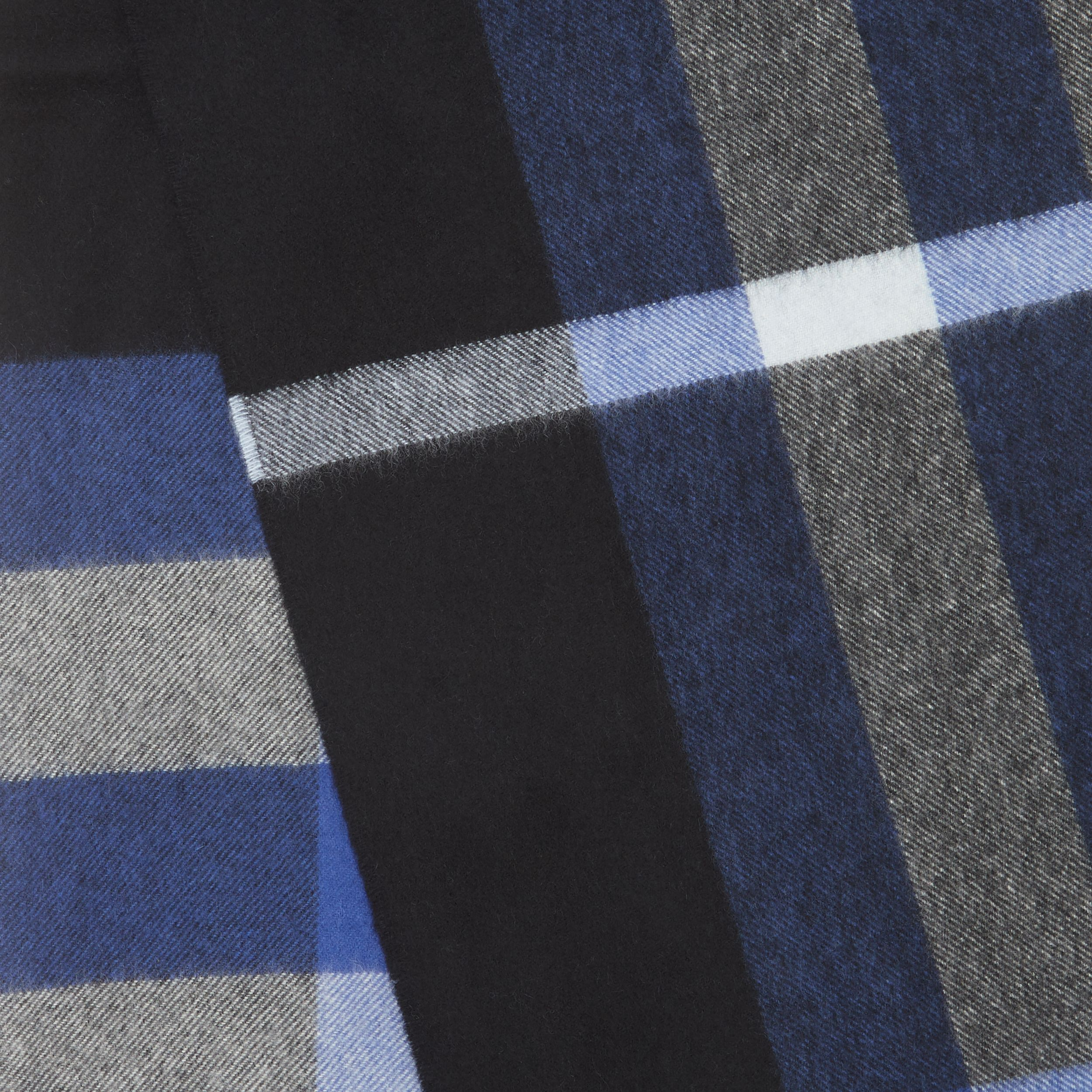 Check Cashmere Scarf in Black/bluebell | Burberry United States - 2