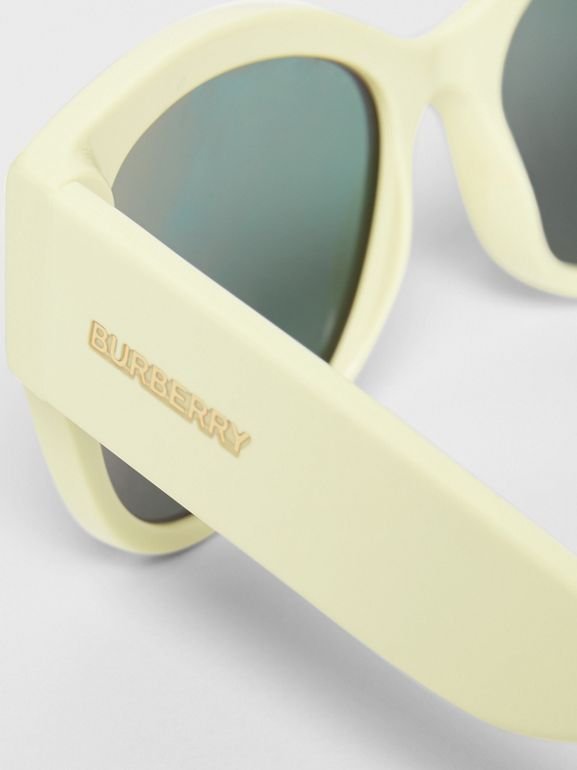 Butterfly Frame Sunglasses in Pistachio - Women | Burberry - cell image 1