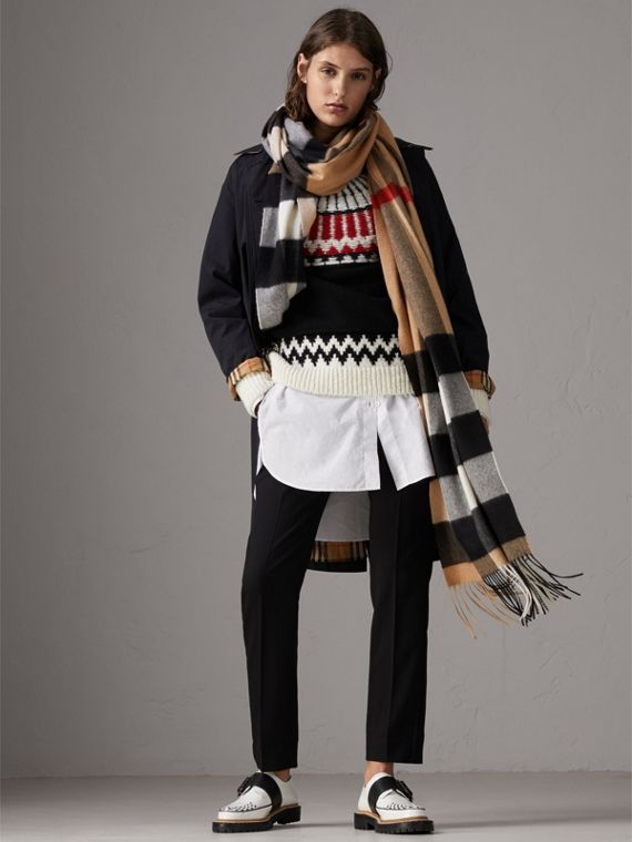 Oversize Check Cashmere Scarf in Camel | Burberry - cell image 2