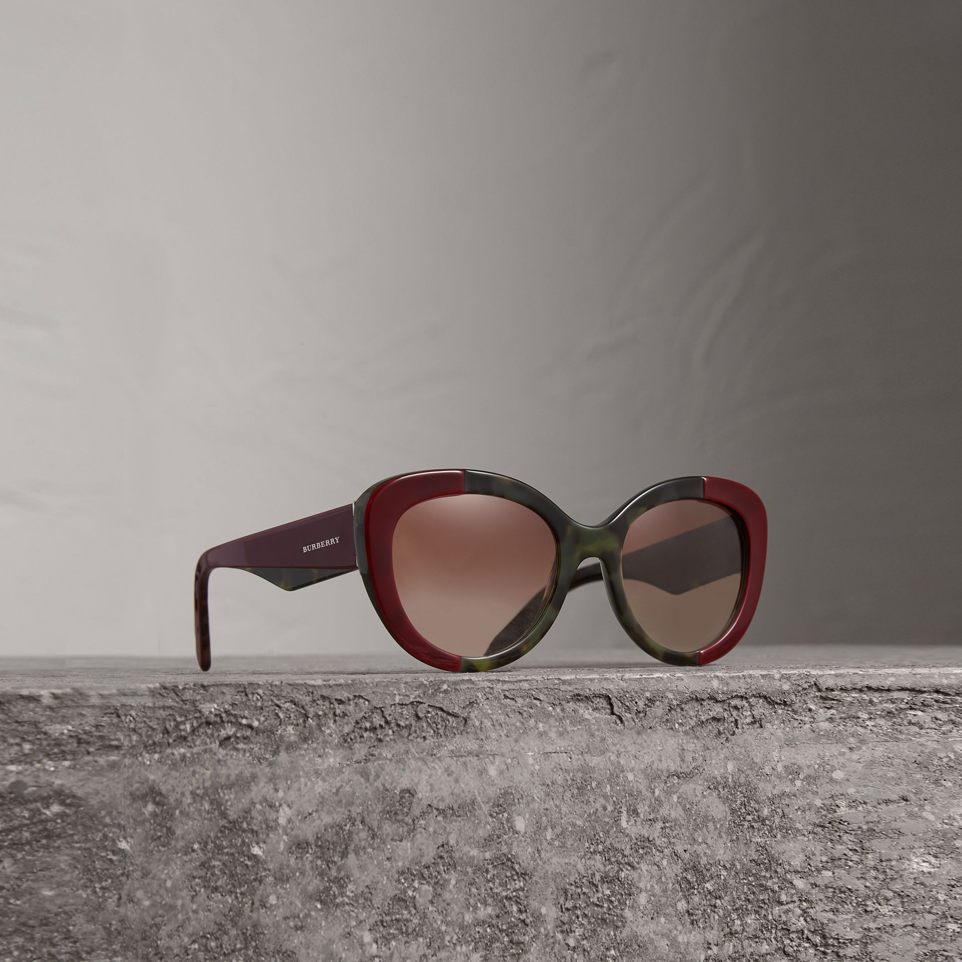 Round Frame Sunglasses in Burgundy - Women | Burberry Australia - gallery image 0