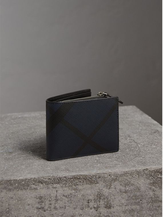 London Check International Bifold ID Coin Wallet in Navy/black