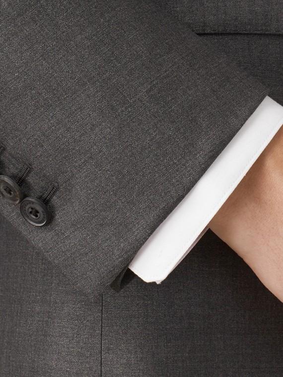 Dunkelgrau meliert Körperbetonter Anzug aus Wolle und Seide Dunkelgrau Meliert - cell image 3