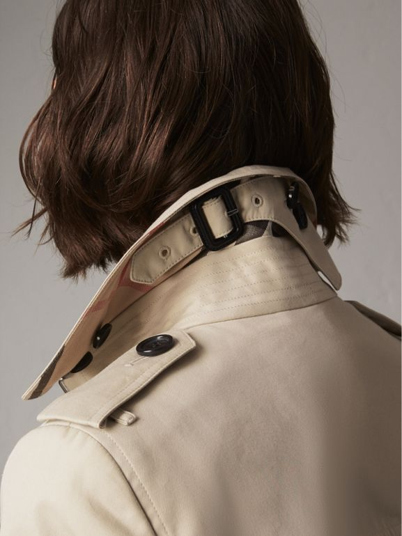 The Sandringham – Long Trench Coat in Stone - Women | Burberry United States - cell image 1