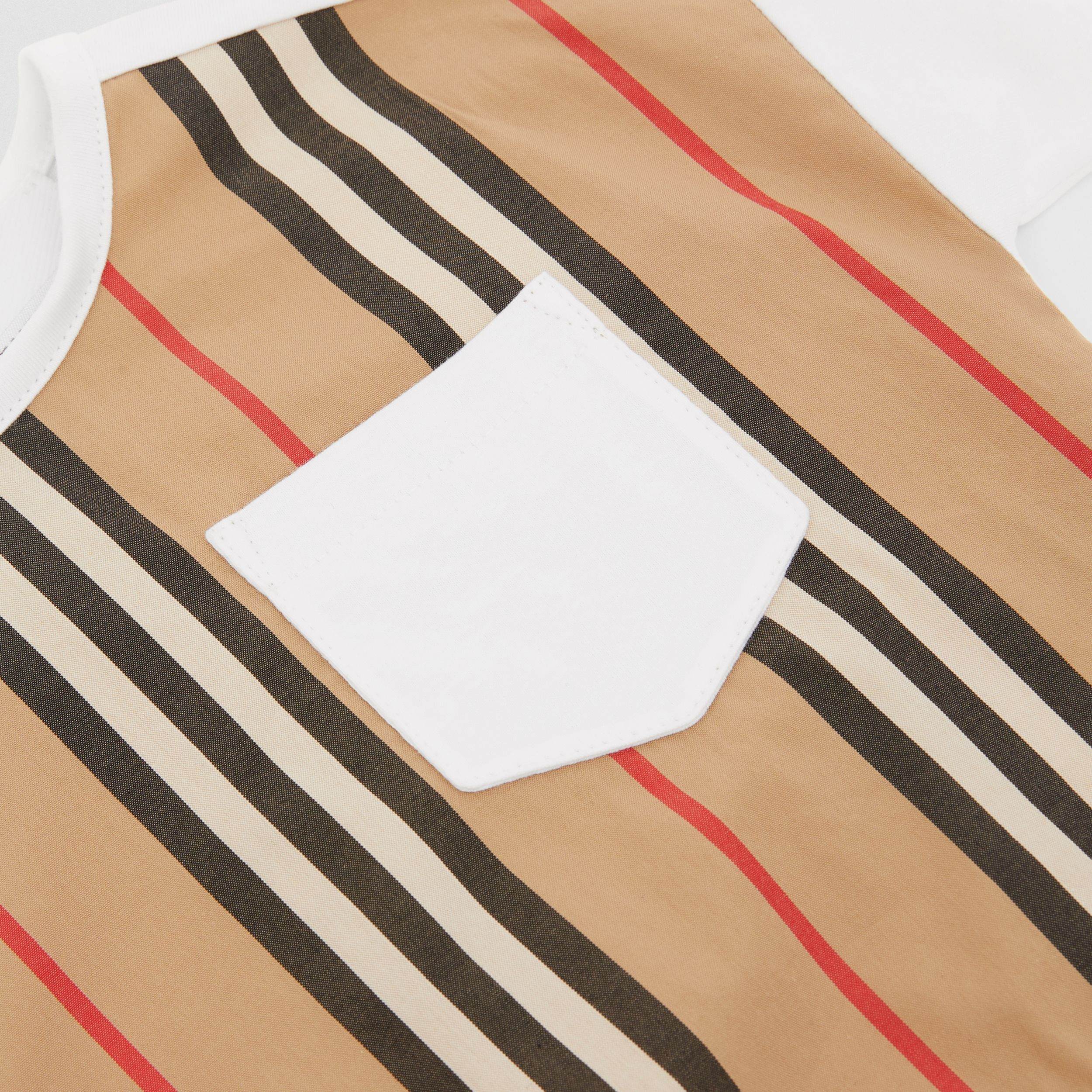 Camiseta en algodón con panel a rayas Icon Stripe (Blanco) - Niños | Burberry - 2