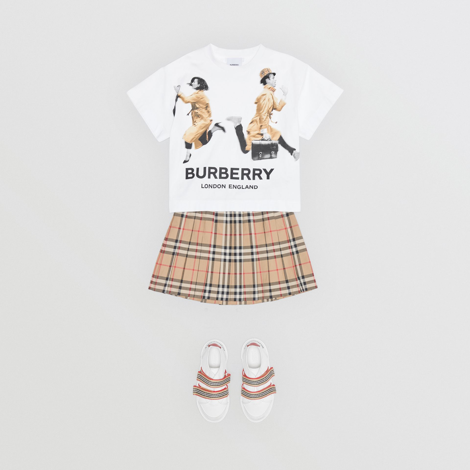 Jump Print Cotton T-shirt in White - Girl | Burberry - gallery image 2