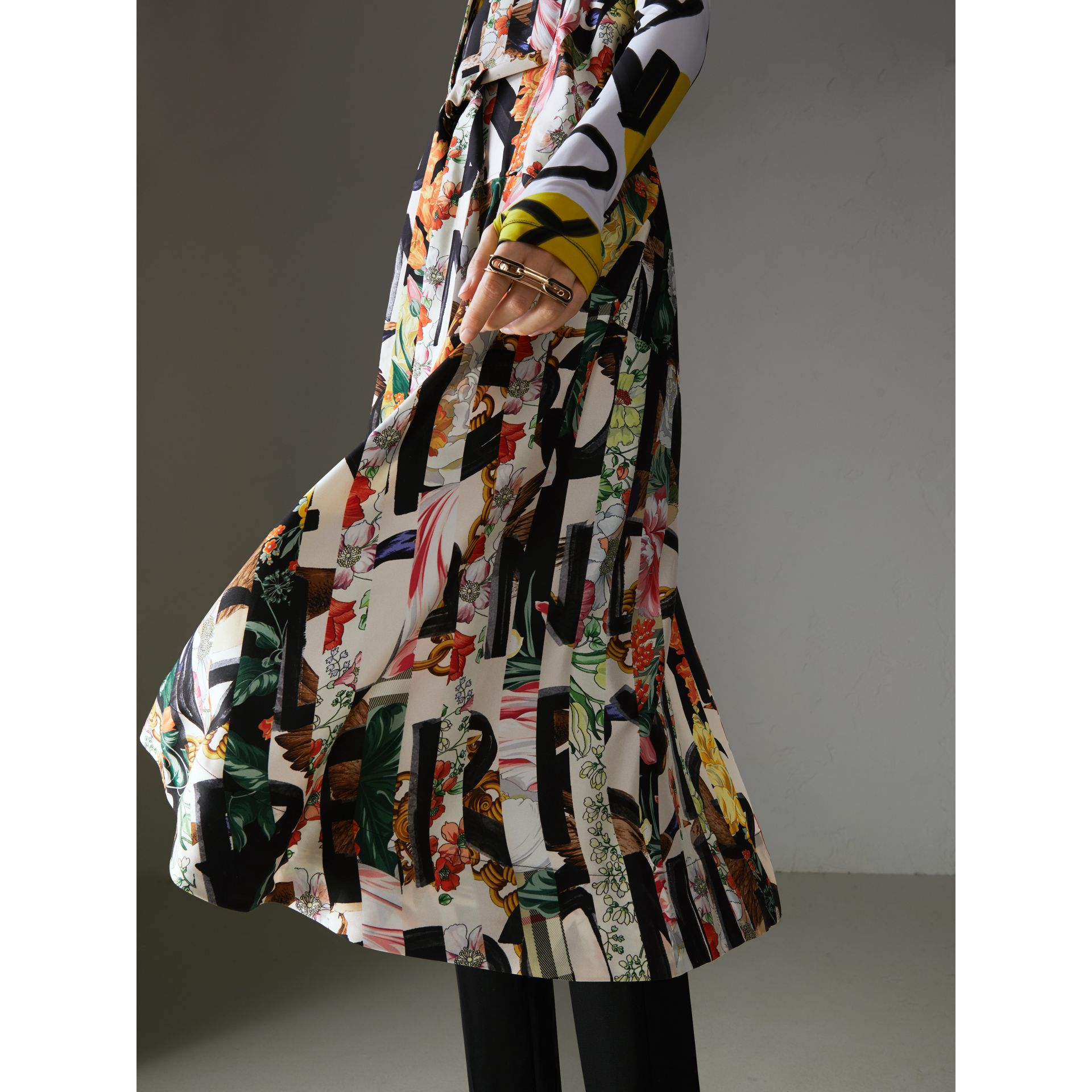 Graffiti Archive Scarf Print Silk Shirt Dress in Multicolour - Women | Burberry Canada - gallery image 4