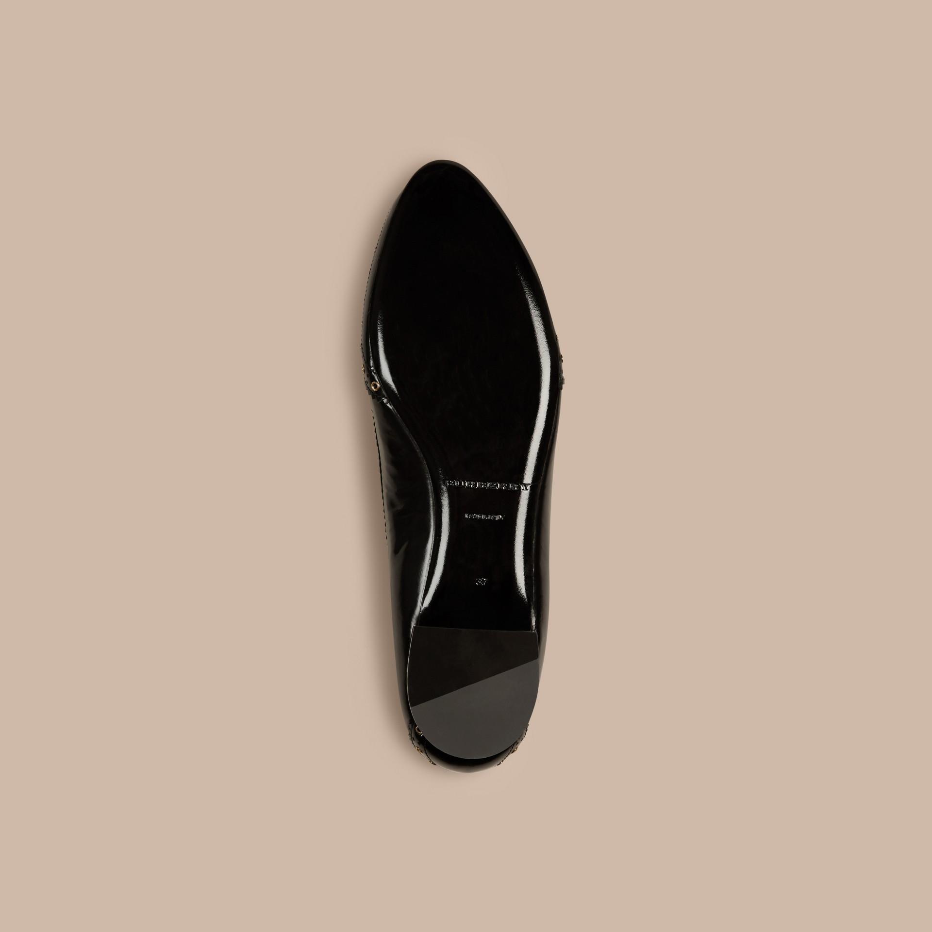 Preto Sapatilhas de couro com wingtip – Produto vendido exclusivamente online - galeria de imagens 5