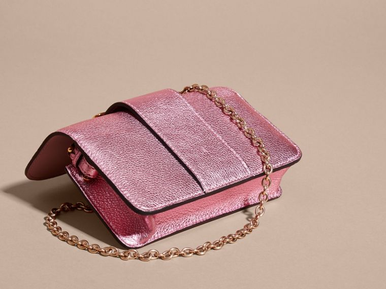Pale orchid The Mini Buckle Bag in Metallic Grainy Leather Pale Orchid - cell image 4