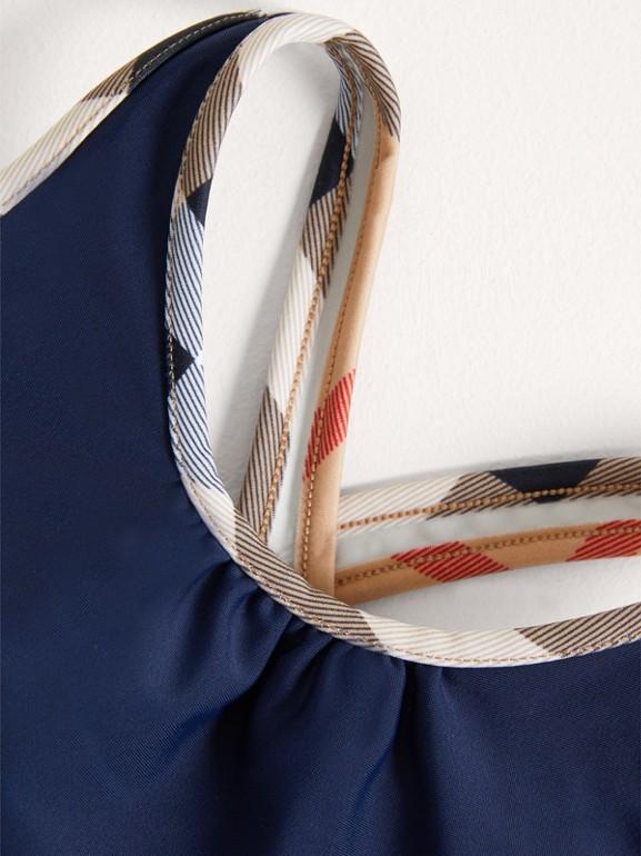 Costume da bagno intero con dettagli check (Navy) - Bambina | Burberry - cell image 1
