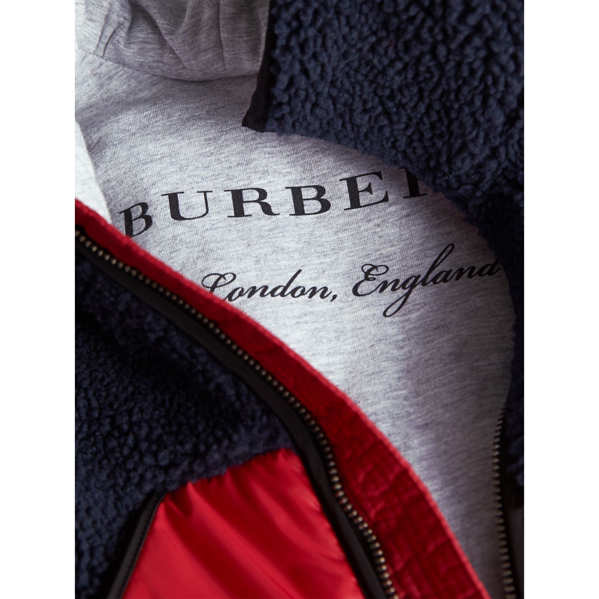 Contrast Hooded Bomber Jacket in Navy | Burberry - gallery image 2