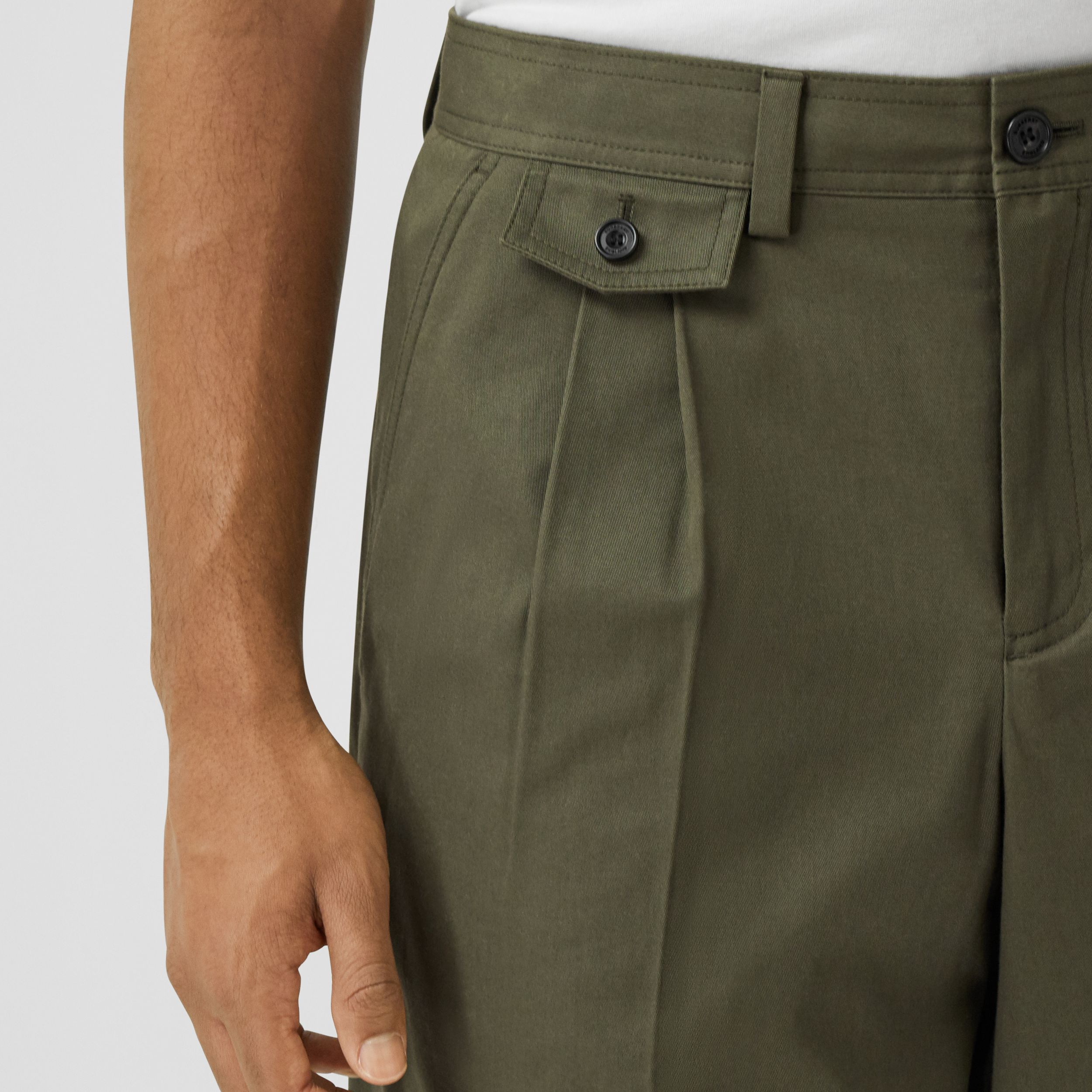 Icon Stripe Detail Cotton Twill Tailored Shorts in Olive - Men | Burberry - 2