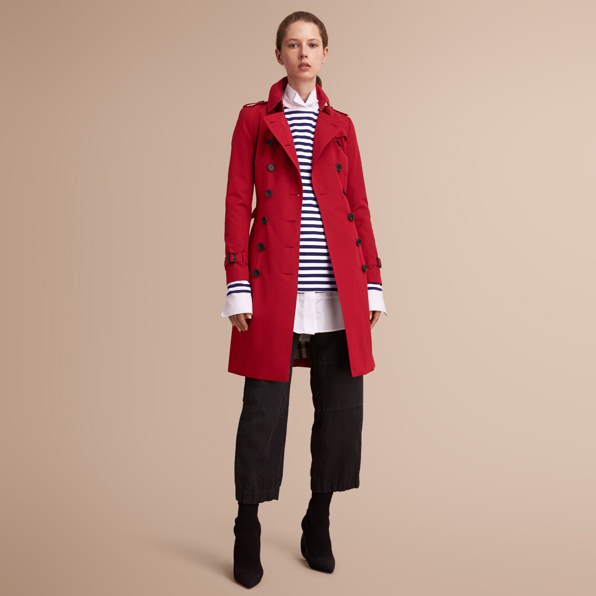 The Chelsea – Long Heritage Trench Coat in Parade Red - Women | Burberry - gallery image 7