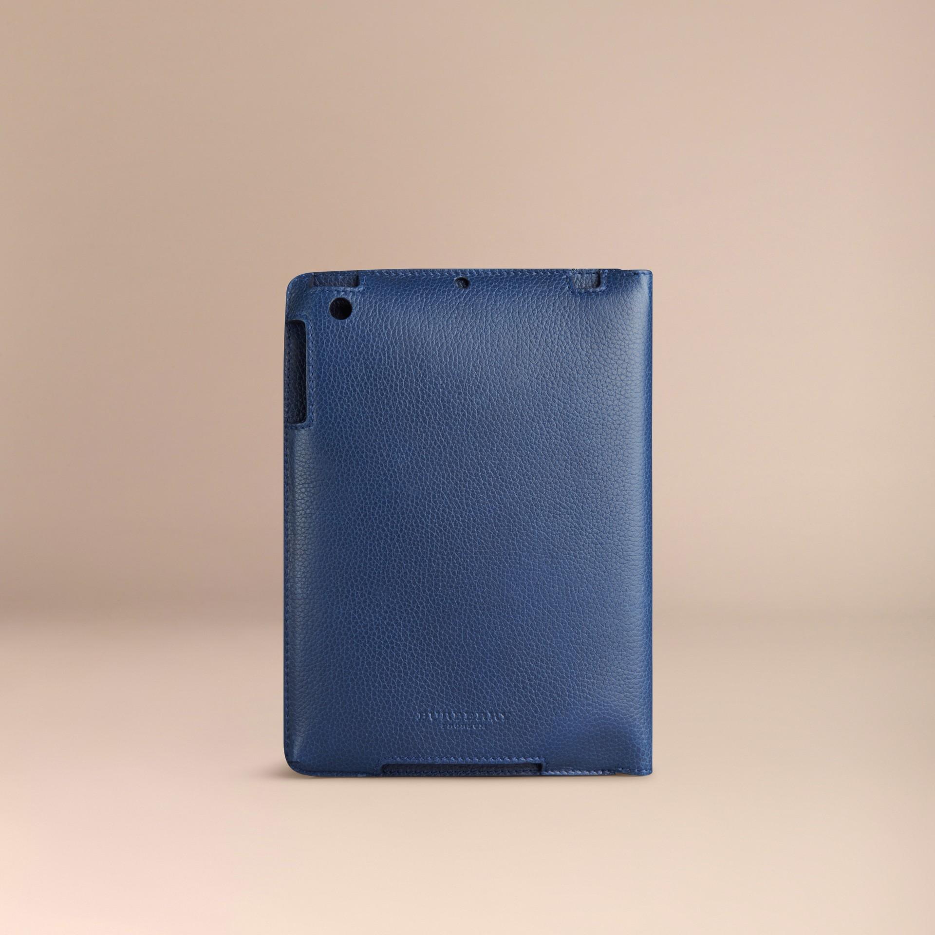 Marine vif Étui pour iPad mini en cuir grainé Marine Vif - photo de la galerie 2