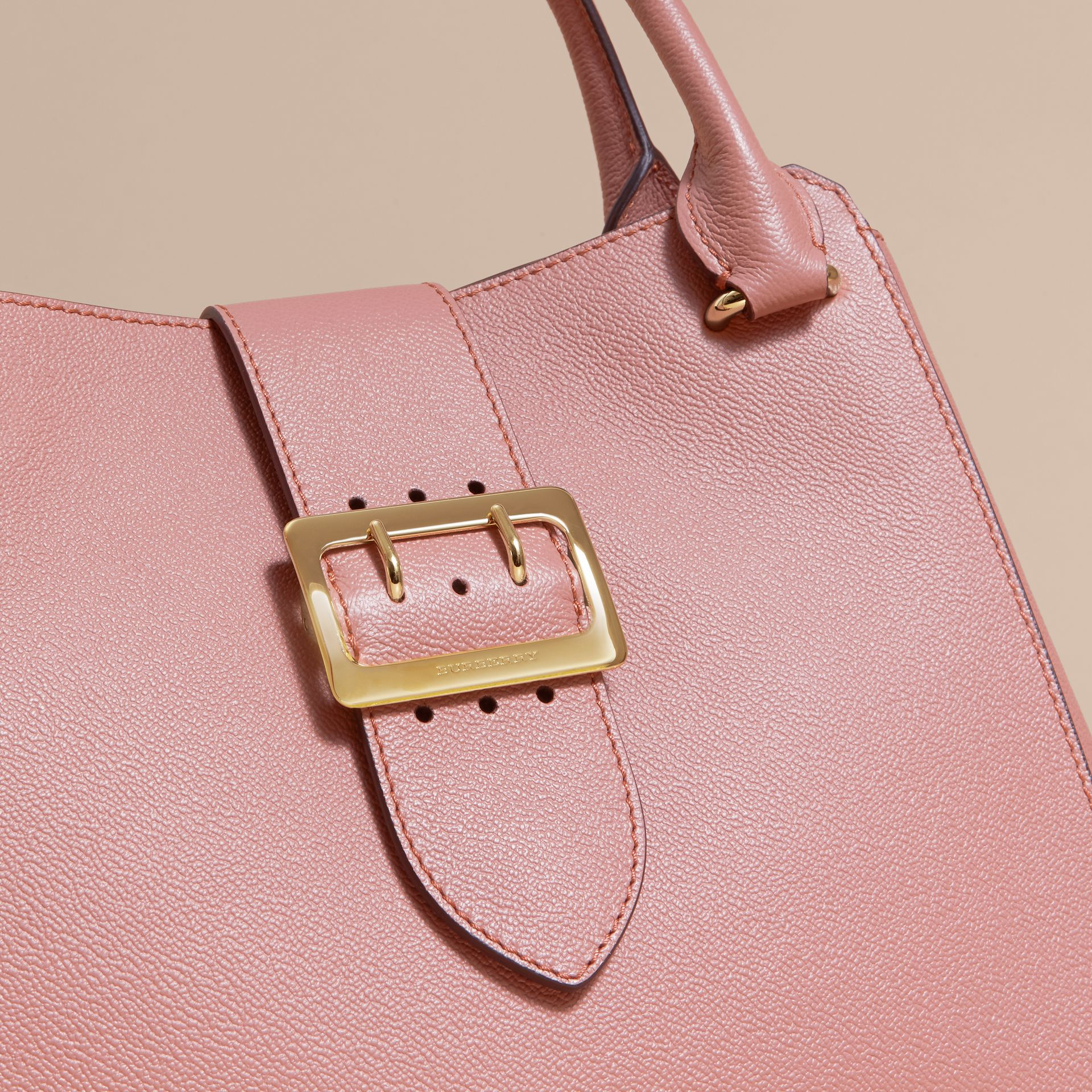 The Medium Buckle Tote in Grainy Leather in Dusty Pink - gallery image 2