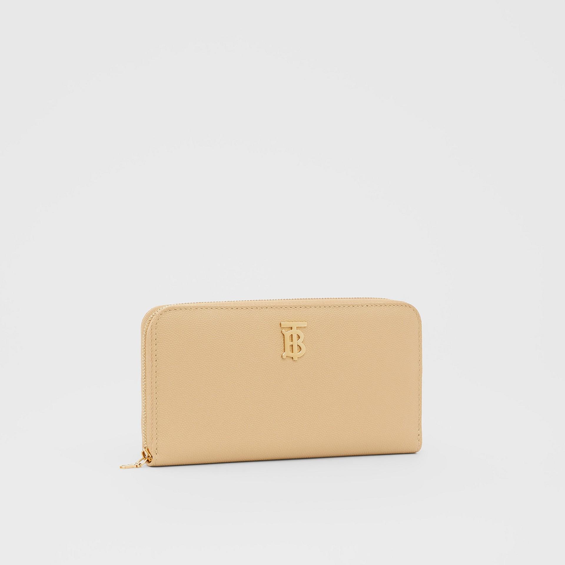 Monogram Motif Grainy Leather Ziparound Wallet in Archive Beige - Women | Burberry United Kingdom - gallery image 4