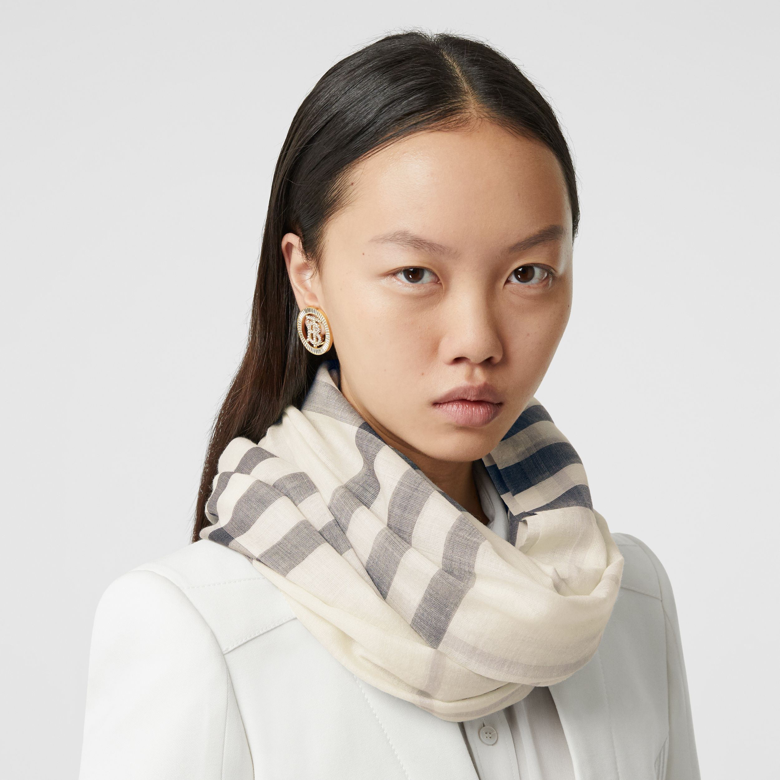Lightweight Check Wool Silk Scarf in White/light Grey | Burberry - 3