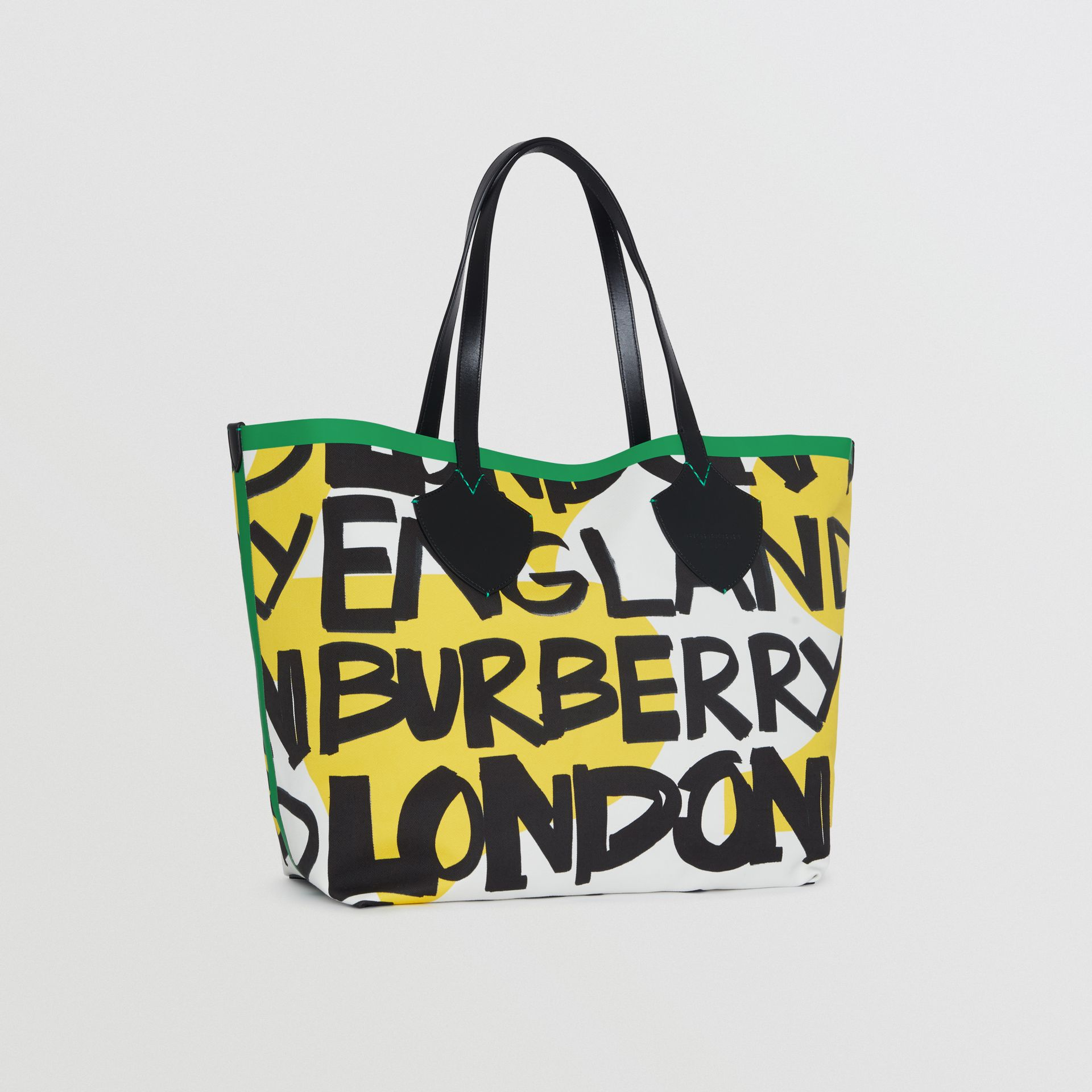 The Giant Tote in Graffiti Print Cotton in Black/green | Burberry - gallery image 4