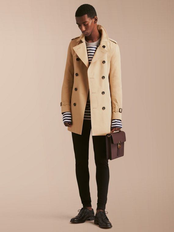 Trench coat Sandringham - Trench coat Heritage de longitud media (Miel) - Hombre | Burberry