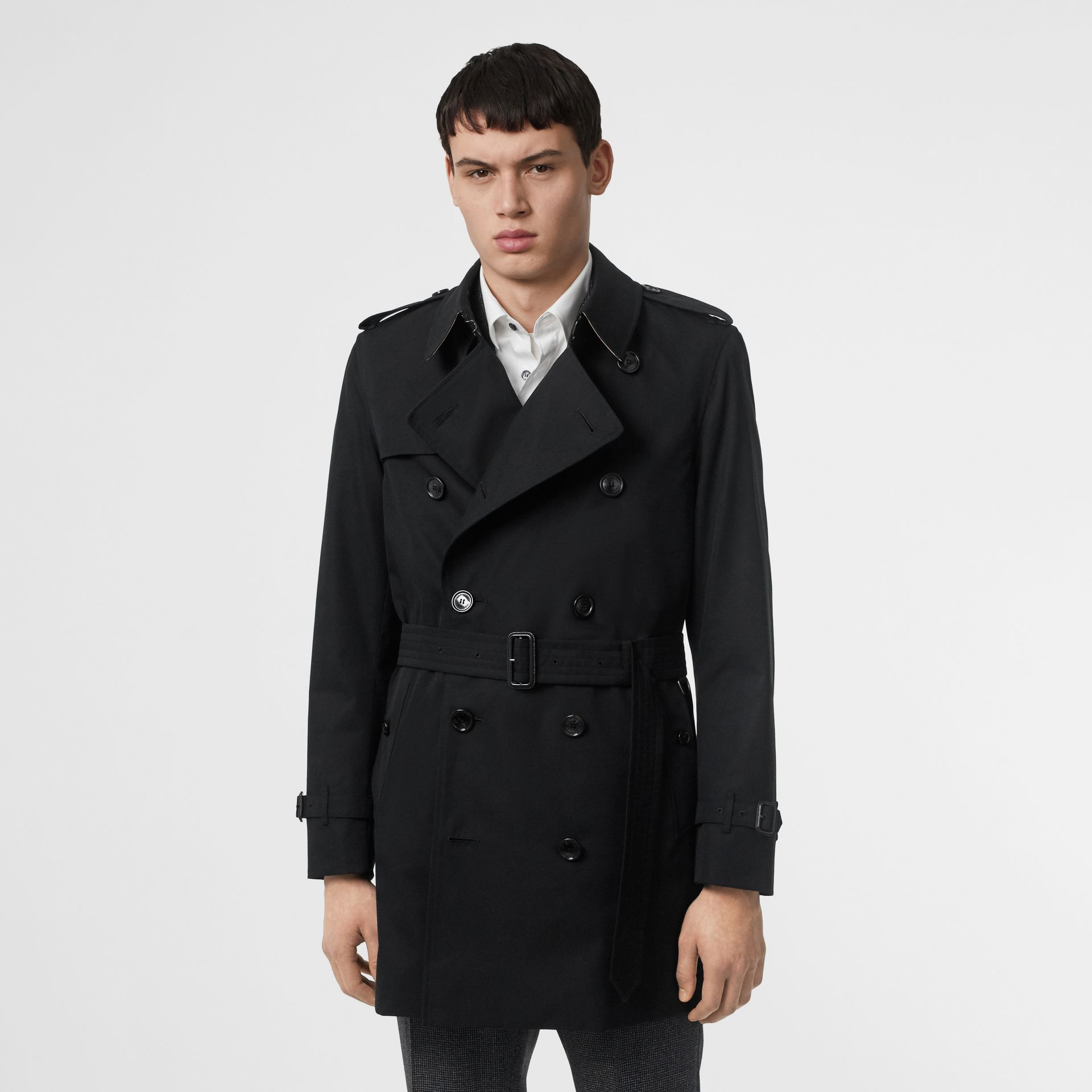 Short Chelsea Fit Trench Coat in Black - Men | Burberry - gallery image 6