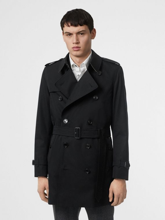 Short Chelsea Fit Trench Coat in Black