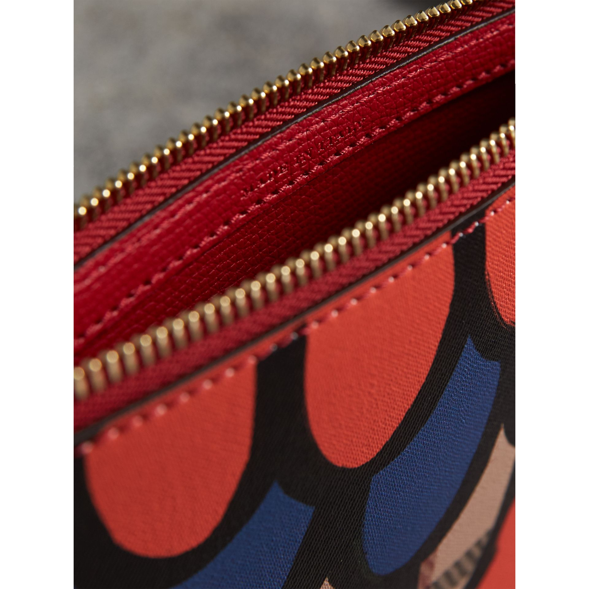 Scallop Print Haymarket Check and Leather Pouch in Poppy Red - Women | Burberry Canada - gallery image 4