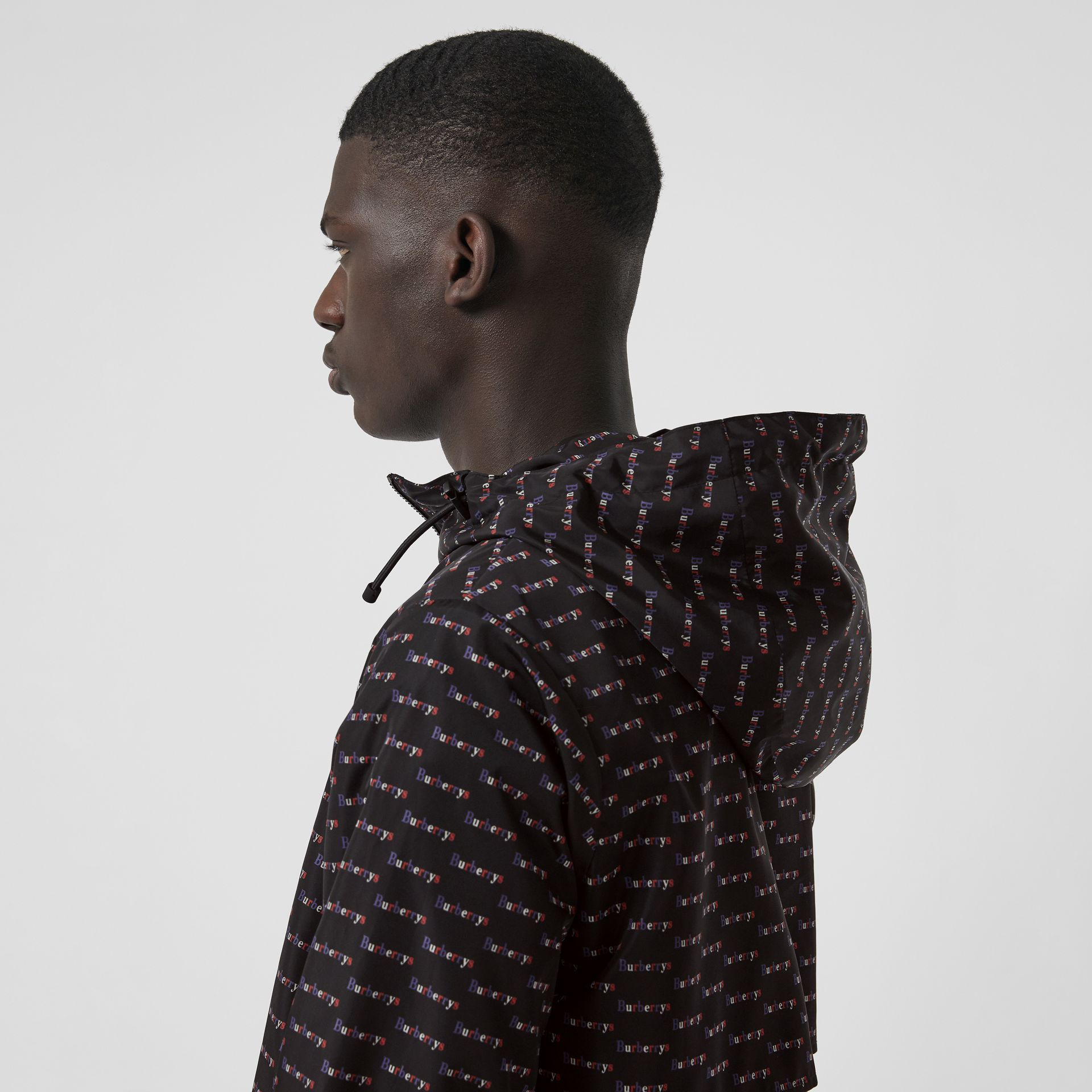 Archive Logo Print Lightweight Hooded Jacket in Black - Men | Burberry United Kingdom - gallery image 4