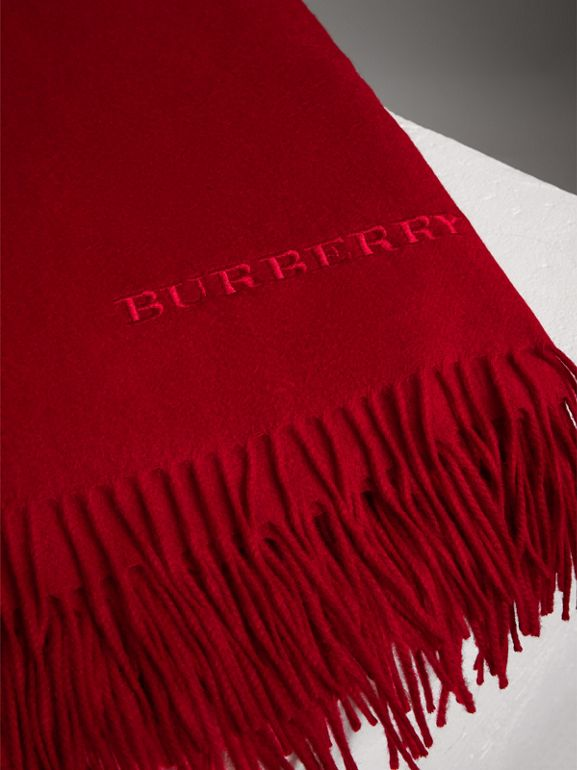 Cashmere Blanket in Parade Red | Burberry United Kingdom - cell image 1