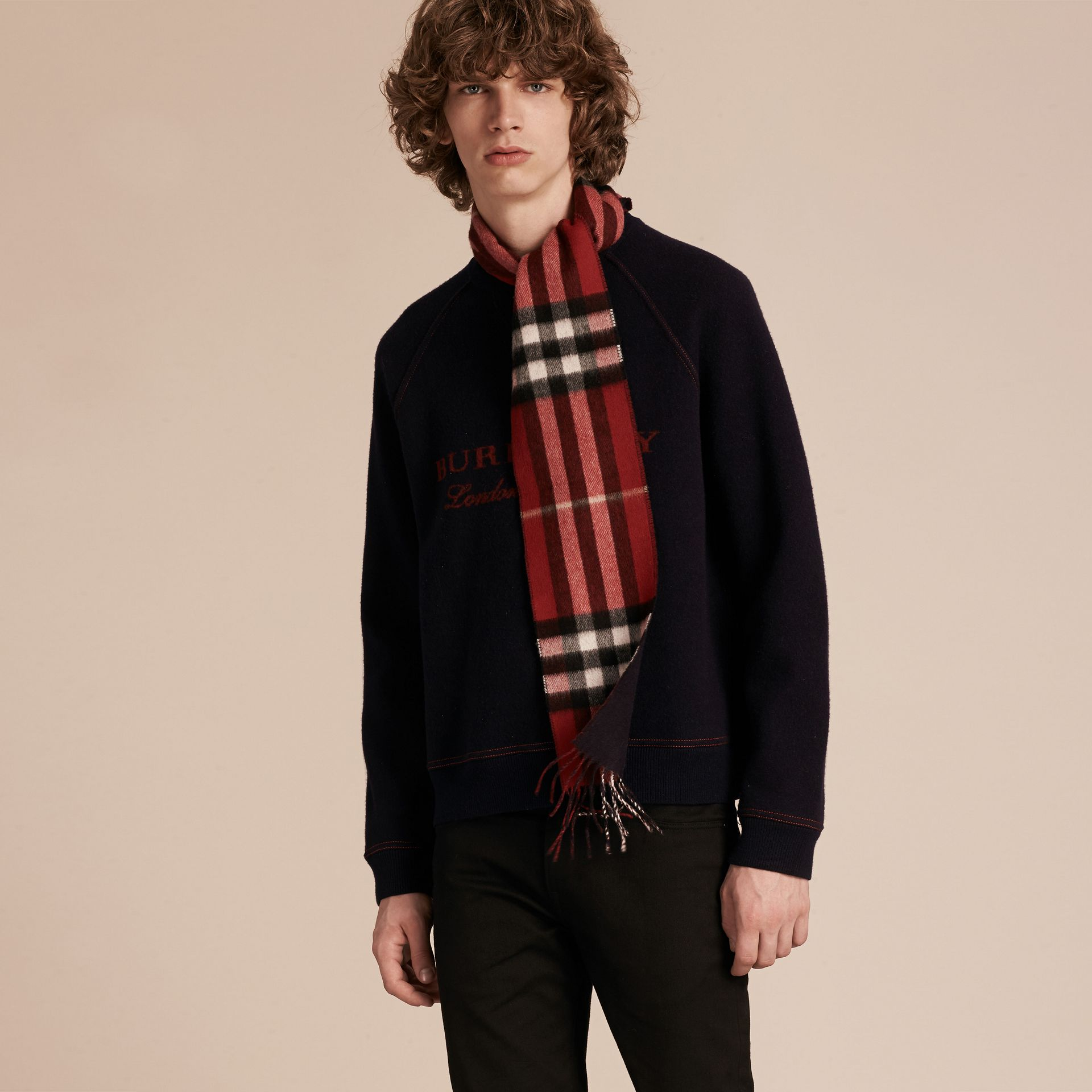 Parade red/navy The Slim Reversible Cashmere Scarf in Check Parade Red/navy - gallery image 3