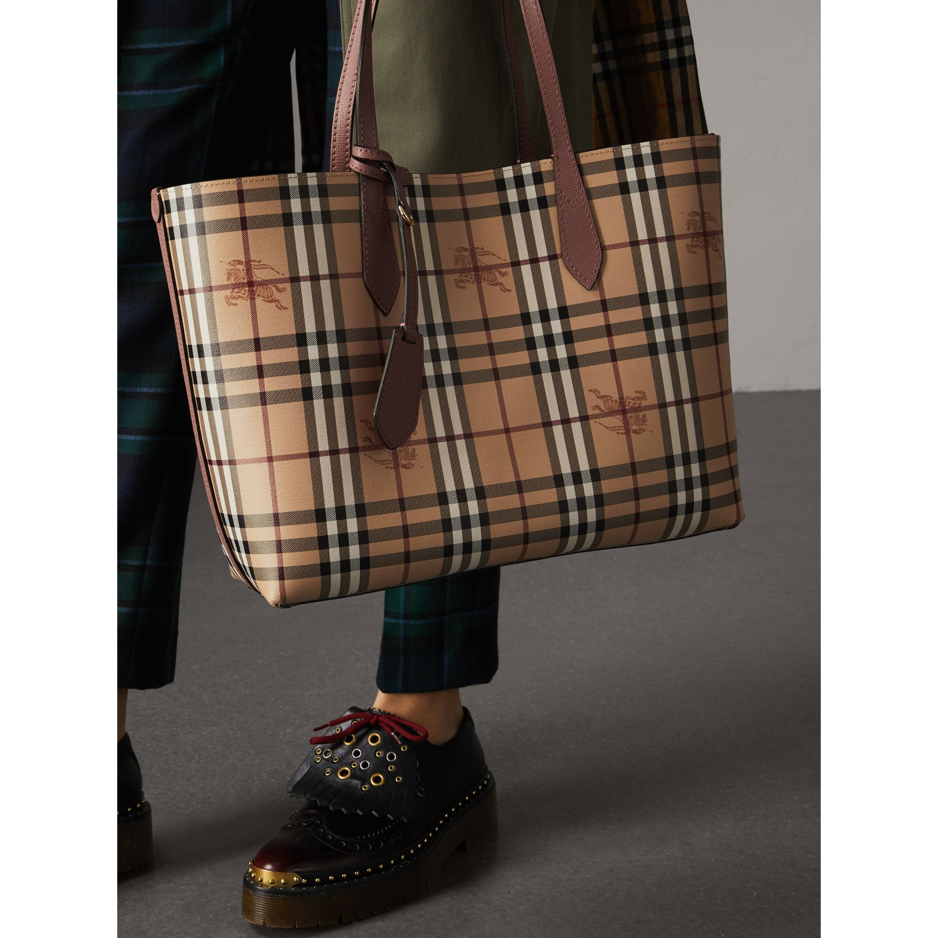 The Medium Reversible Tote in Haymarket Check and Leather in Light Elderberry - Women | Burberry Canada - gallery image 3