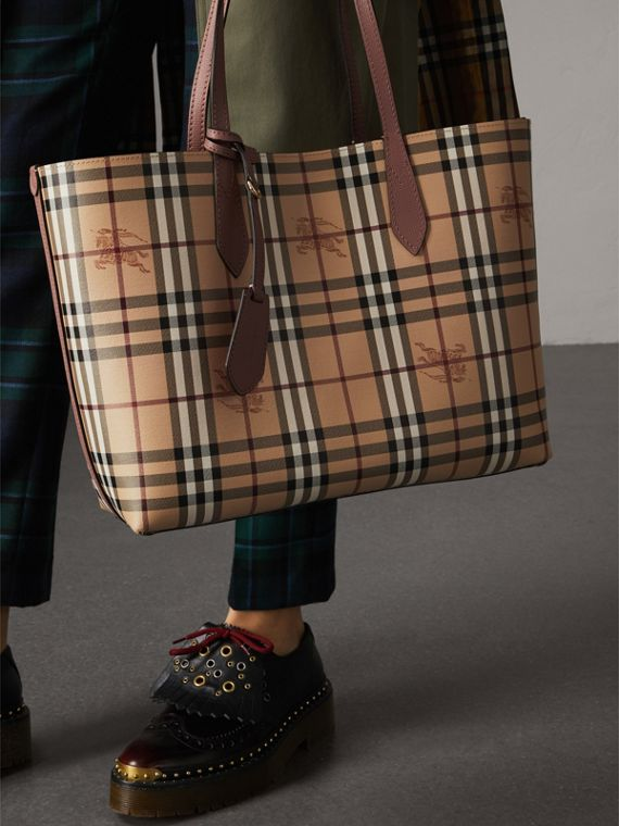 The Medium Reversible Tote in Haymarket Check and Leather in Light Elderberry - Women | Burberry Canada - cell image 3