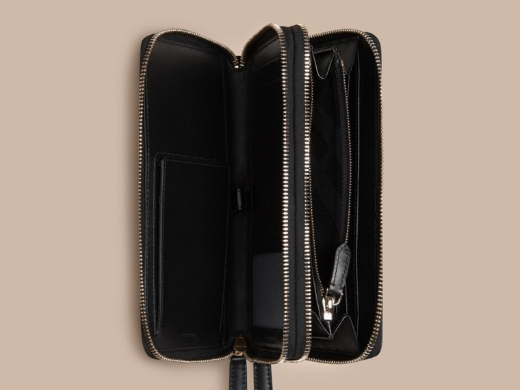 London Leather Travel Wallet in Black - Men | Burberry Hong Kong - cell image 4