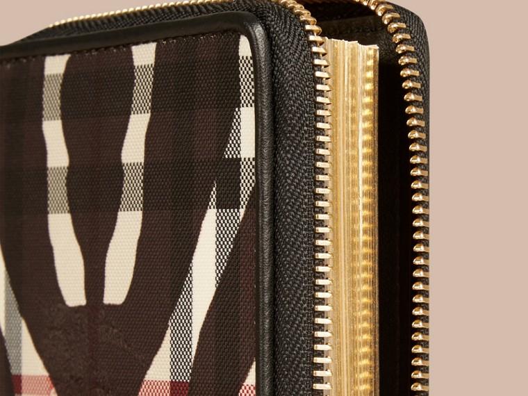 Noir Petit calepin zippé à motif Horseferry check et imprimé fauve - cell image 1