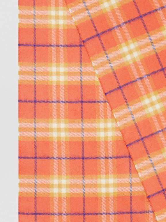 The Classic Vintage Check Cashmere Scarf in Coral | Burberry Canada - cell image 1