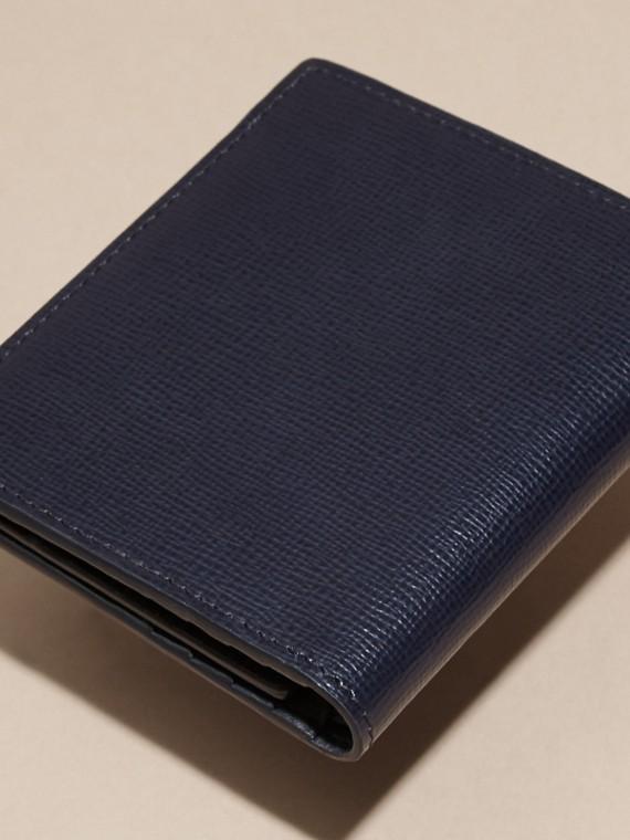 Azul marino oscuro Cartera de piel London con visor para DNI Azul Marino Oscuro - cell image 3