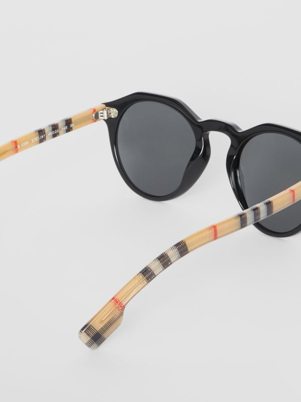 Vintage Check Detail Round Frame Sunglasses in Black/beige - Men | Burberry United Kingdom - cell image 3