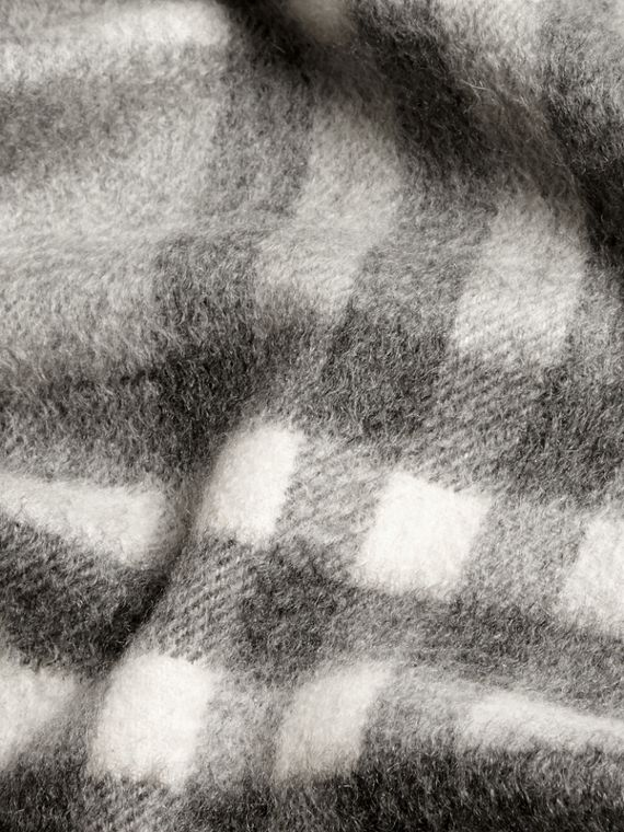 Pale grey The Mini Classic Cashmere Scarf in Check Pale Grey - cell image 3