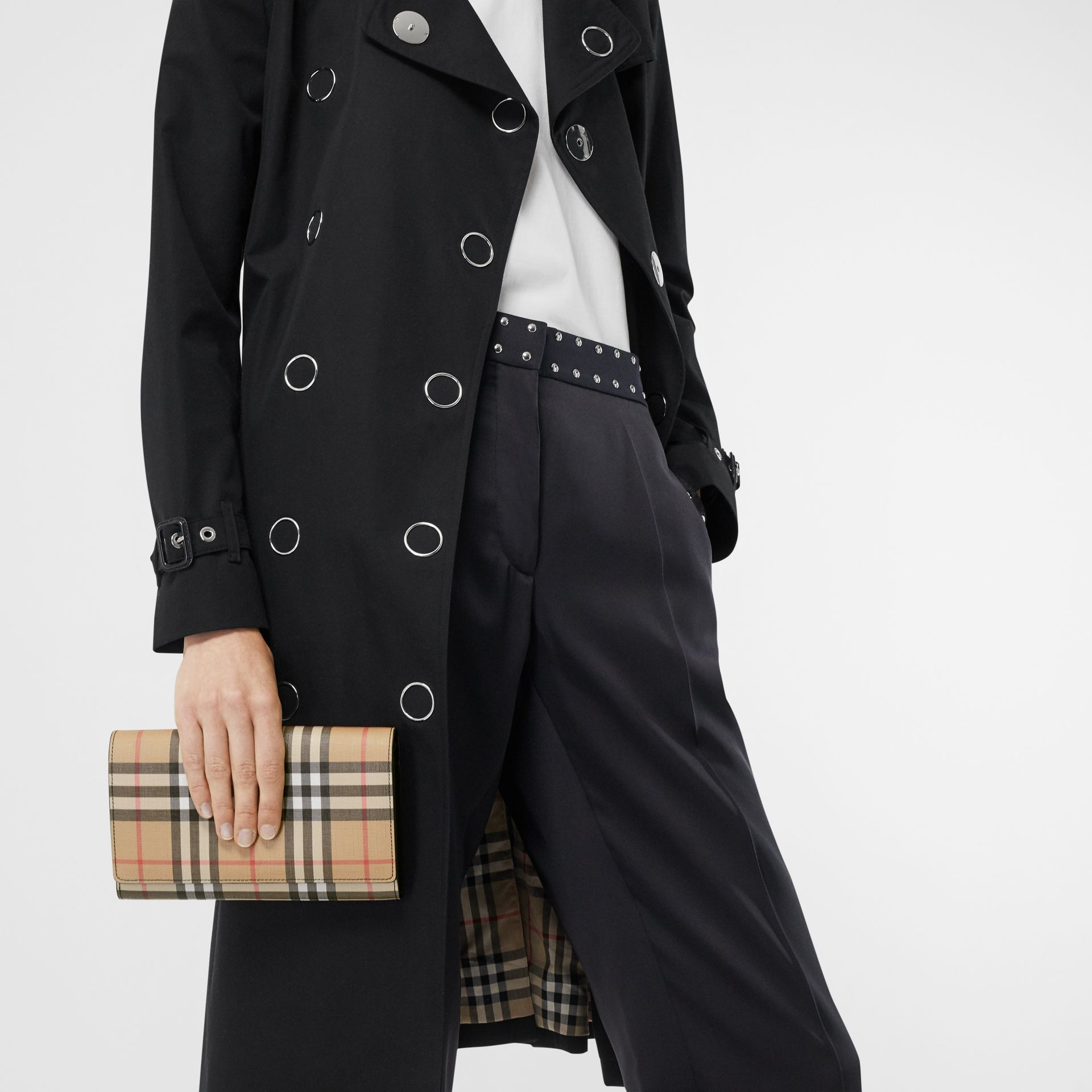 Vintage Check E-canvas Wallet with Detachable Strap in Black - Women | Burberry Singapore - gallery image 2