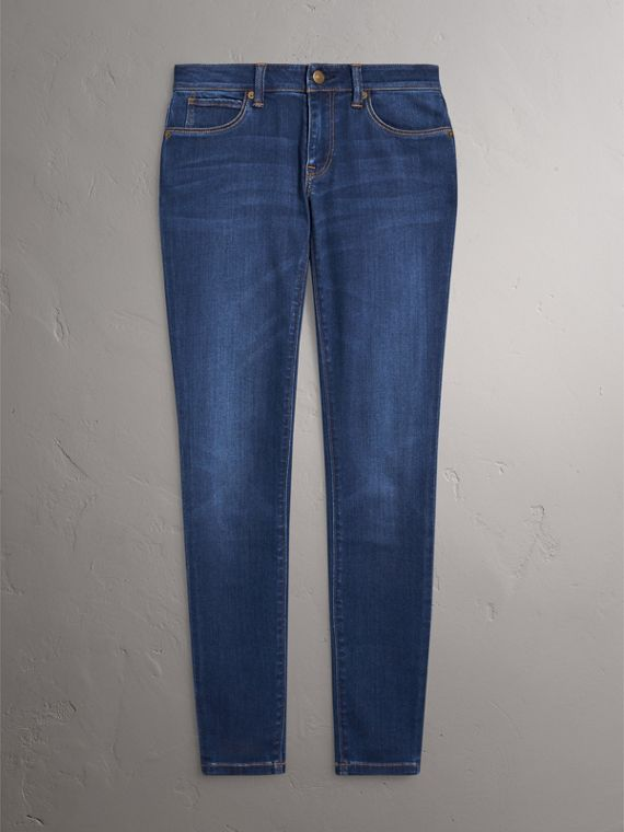 Skinny Fit Low-rise Power-stretch Jeans in Mid Indigo - Women | Burberry Canada - cell image 3