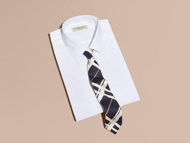 黑色 窄版剪裁彩繪風格紋印花絲質領帶 - cell image 2