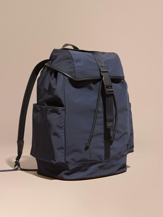 Легкий рюкзак с кожаной отделкой Чернильный