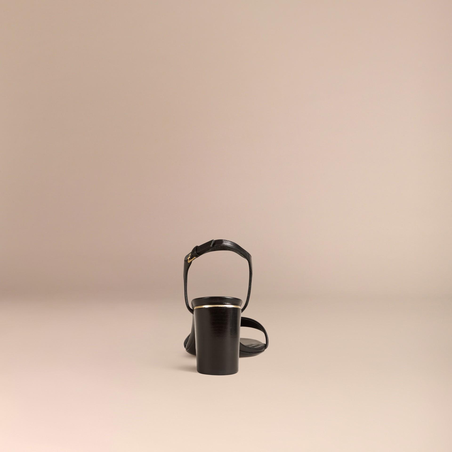 Черный Кожаные босоножки с отделкой в клетку - изображение 4