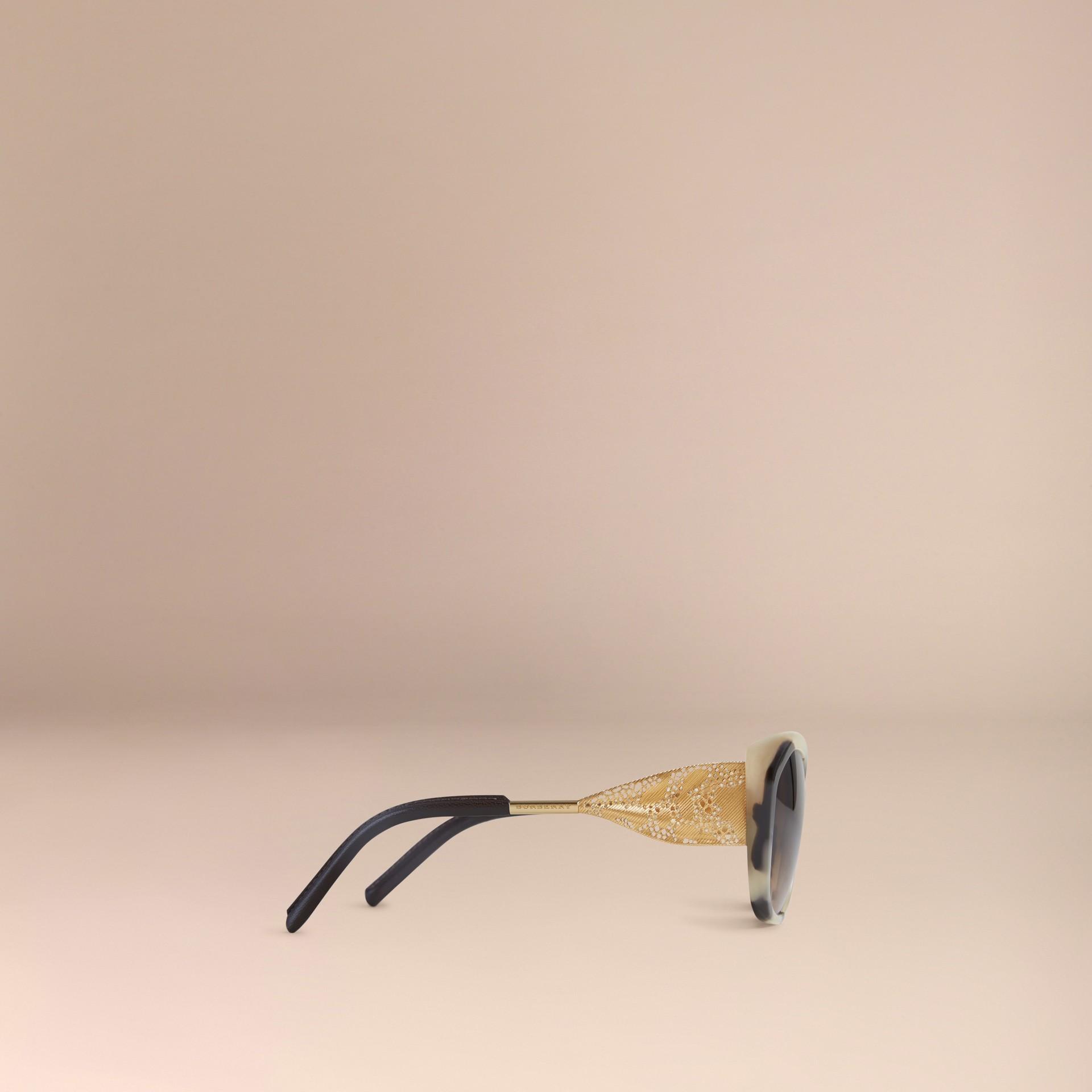 Tartarugato tonalità media Occhiali da sole con montatura quadrata collezione Pizzo di Gabardine Tartarugato Tonalità Media - immagine della galleria 4