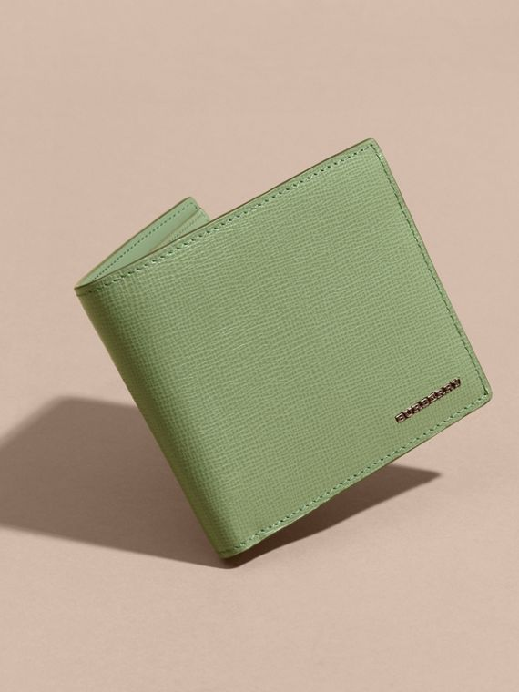 London Leather International Bifold Wallet in Antique Green - cell image 2