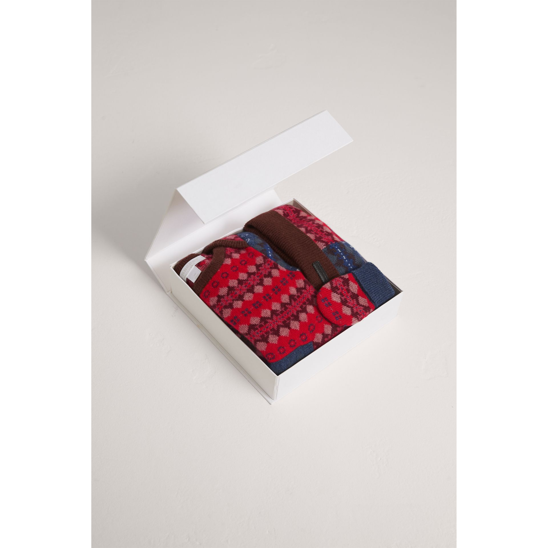 Fair Isle Wool Cashmere Three-piece Baby Gift Set in Rosewood | Burberry - gallery image 2