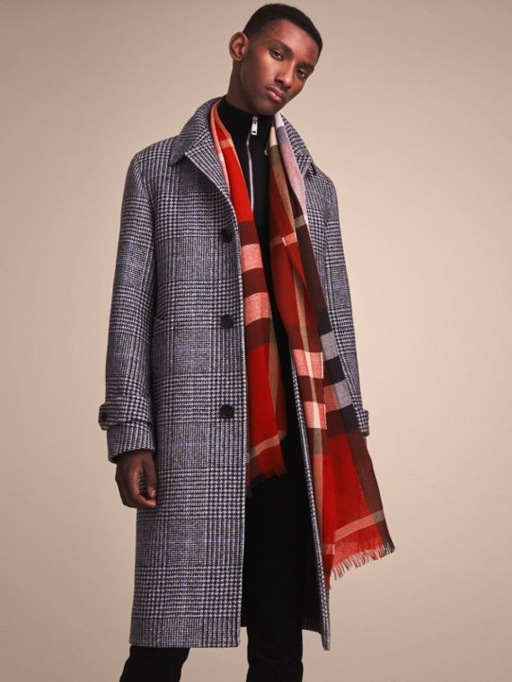Lightweight Check Wool Cashmere Scarf in Parade Red | Burberry - cell image 2