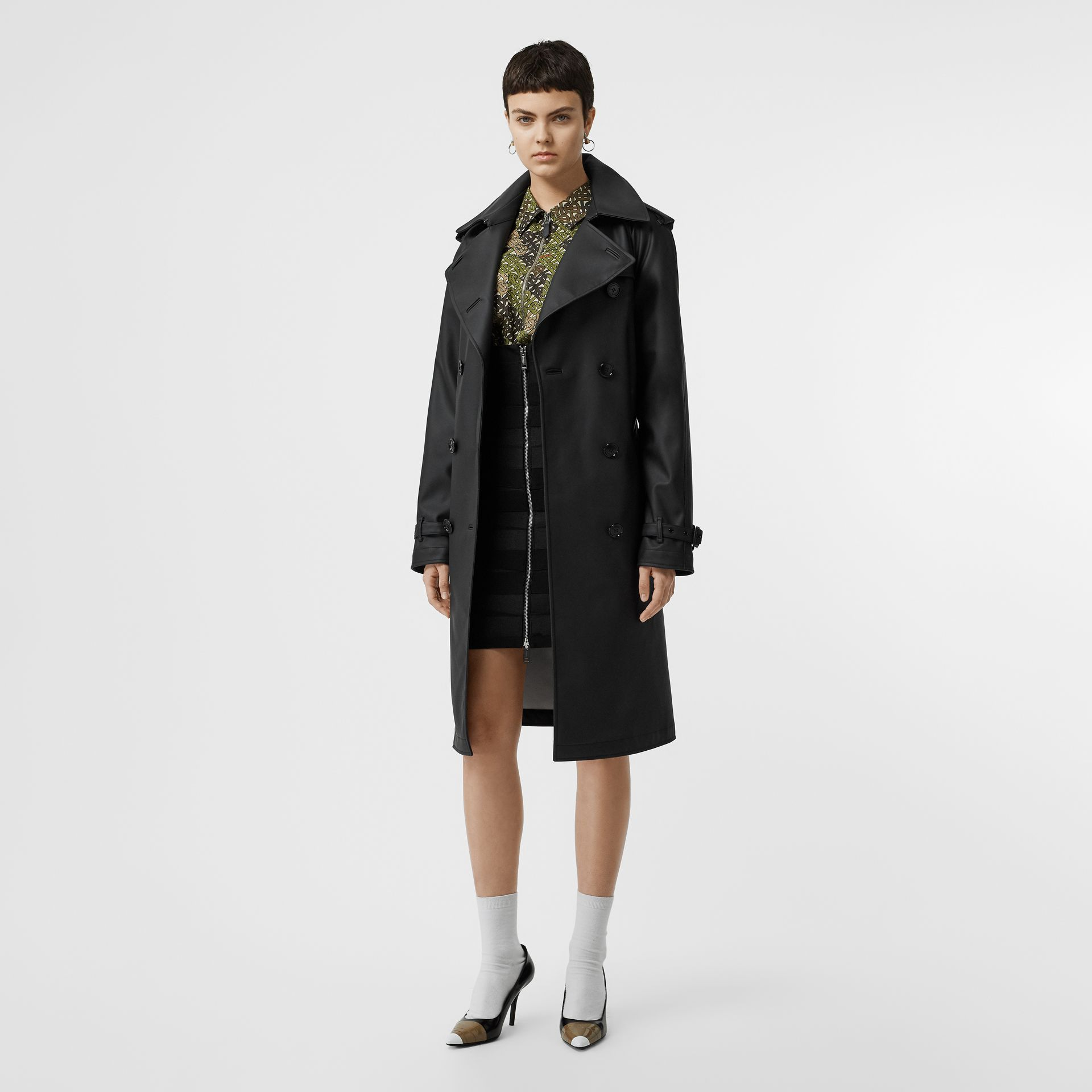Logo Detail Showerproof Trench Coat in Black/white - Women | Burberry - gallery image 0