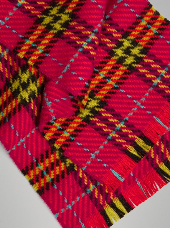 Vintage Check Merino Wool Scarf in Pomegranate Pink | Burberry - cell image 1