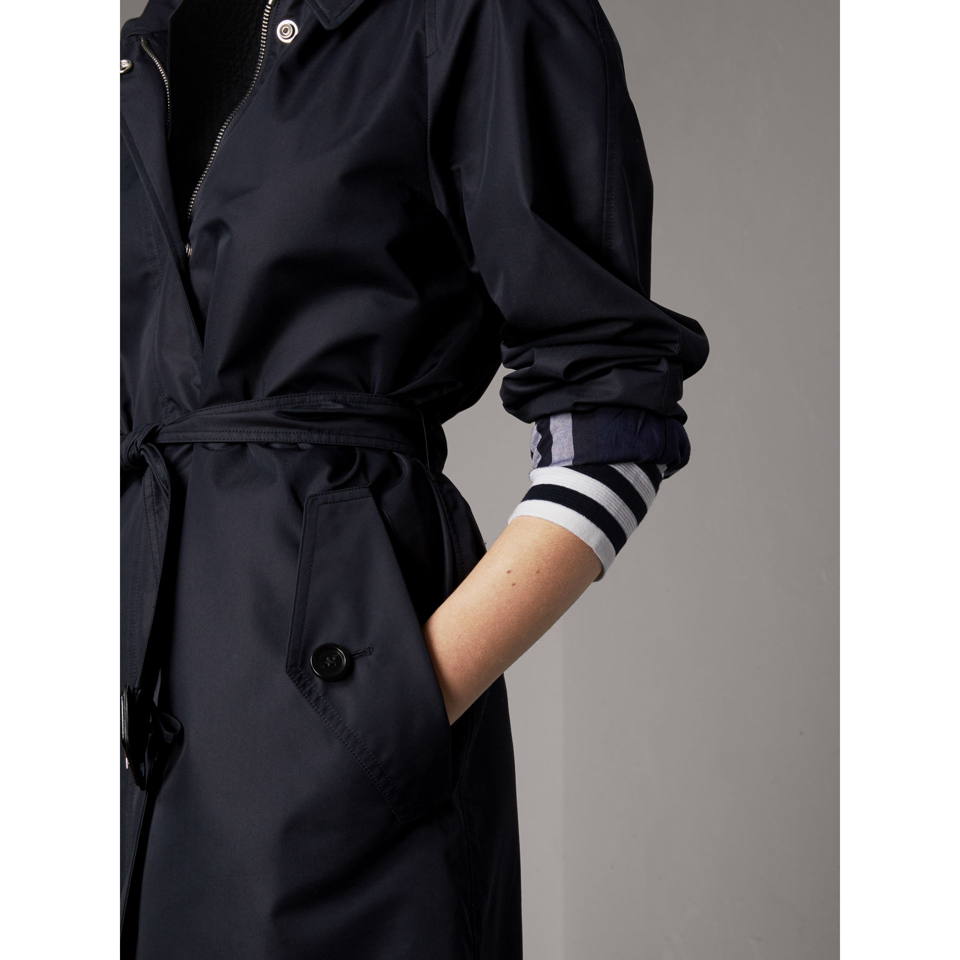 Detachable Hood Cotton Blend Car Coat in Navy - Women | Burberry - gallery image 4
