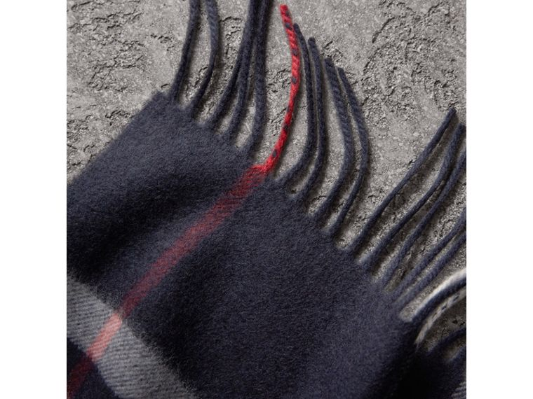 The Classic Check Cashmere Scarf in Navy | Burberry - cell image 4