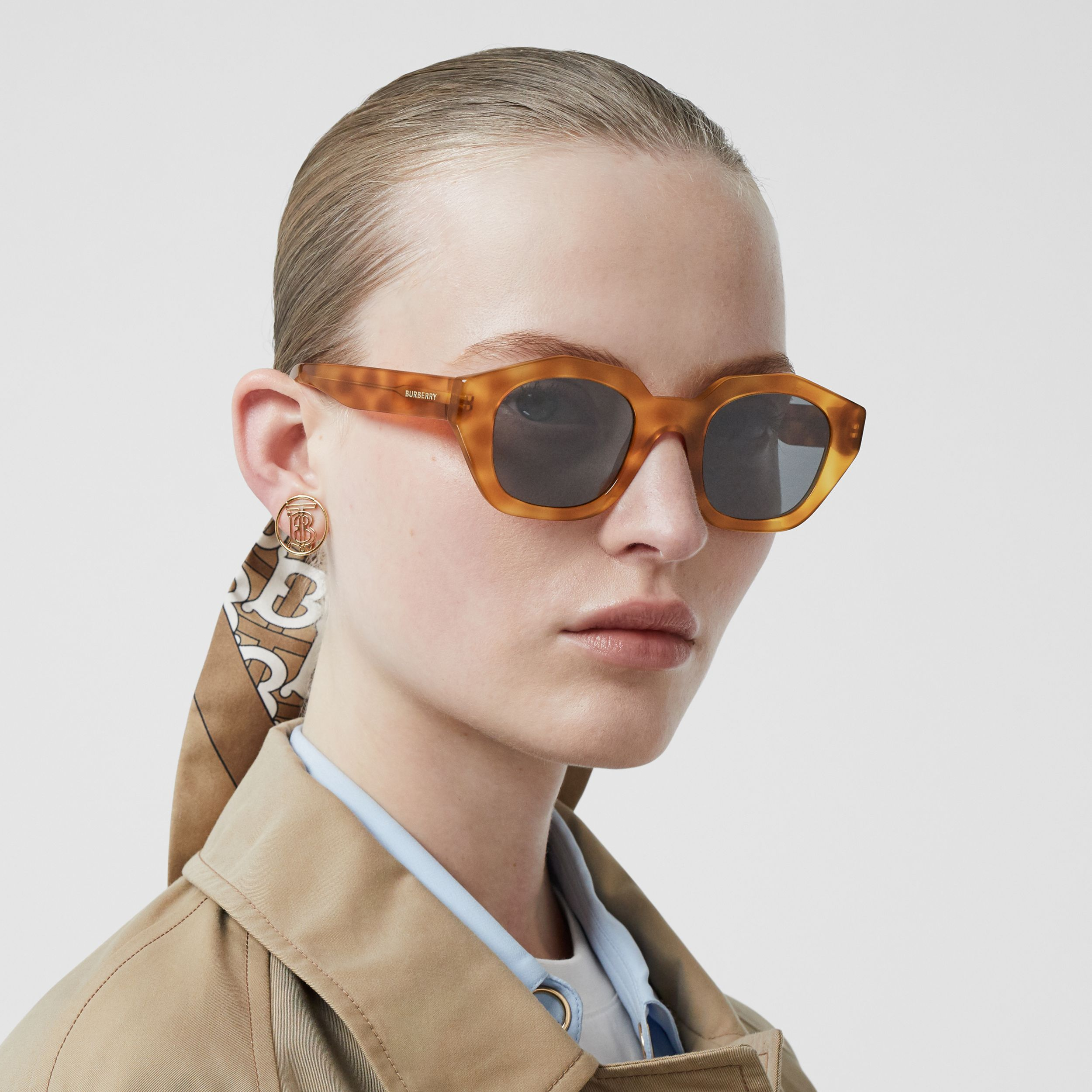 Geometric Frame Sunglasses in Tortoiseshell Amber - Women | Burberry - 3